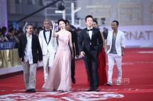 หลิวอี้เฟย เดินพรมแดงในงาน Beijing Film Festival