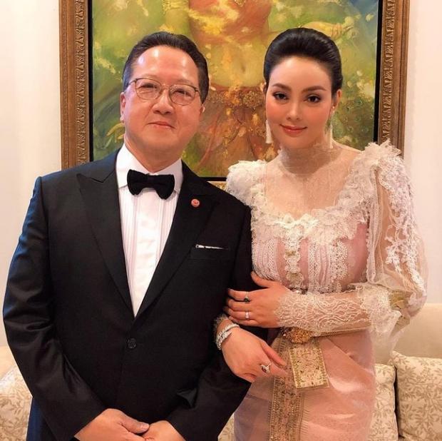 ตั๊ก โชว์ช็อตหวาน ครบรอบแต่งงาน 9 ปี สามีที่แสนดีไม่เปลี่ยน