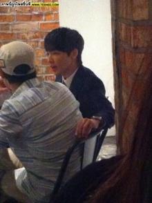 จงฮยอน CN BLUEแอบแว่บไปกินข้าวที่ร้านของทงเฮ Super junior