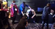 ชานยอล  แห่ง EXO ป่วยระหว่างการแสดงในงาน MAMA 2014