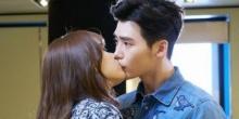 อีจงซอก ฮันฮโยจู ออกอาการเขินหนักมากกับการถ่ายทำฉากจูบแรกของพวกเขาในซีรี่ย์เรื่อง W