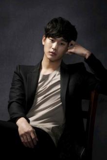 แฟชั่นหล่อๆจากหนุ่มที่แรงที่สุดในเกาหลีขณะนี้ คิม ซูฮยอน