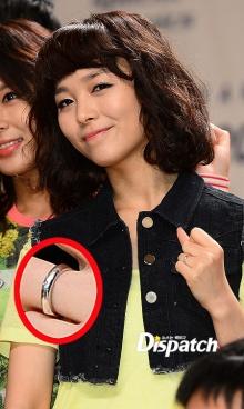 ภาพแหวนที่นิ้วนางข้างซ้ายของซอนเย