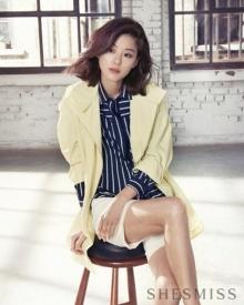 น่ารักอะ! จอนจีฮยอน อวดผมทรงใหม่ ในแฟชั่นโค้ทสวยสุดชิค!