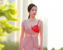 คิมยูยอน โชว์หวิวกลางพรมแดง ผ่าลึกถึงใจถึงอารมณ์!!!