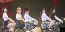 ชาวเน็ตไม่พอใจ! ที่เห็นชุดนักเรียนเซ็กซี่ของสาว Red Velvet ในงานโชว์เคสคัมแบ็ค!