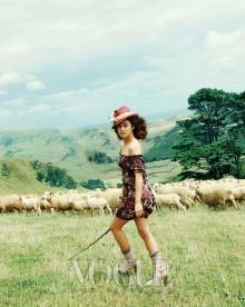 เก็บมาฝาก คิมแตฮี น่ารัก ๆ on Vogue Korea (March 2010)