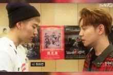 ผู้ชมเกาหลีไม่พอใจ เมื่่อ Block B ถูกจับจูบปากกันเองออกสื่อ