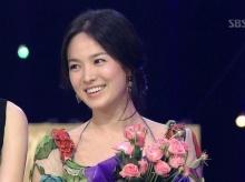 ซอง เฮเคียวทวงบัลลังก์เล่นหนังในรอบ 4 ปี