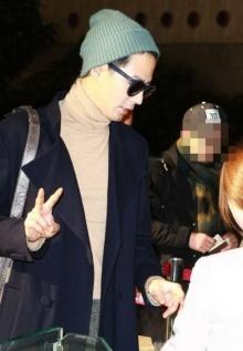 แฟนๆเคลิ้มแฟชั่นสนามบินของ โจ อินซอง หล่อชวนใจละลาย