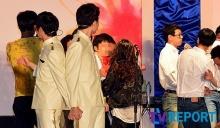 อึ้ง! คู่เกย์เกาหลี ถูกขว้าง ขยะ เข้าใส่ กลางงานแต่งงาน