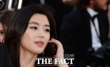 สวย หรู ไม่แพ้ใคร ! ยัยตัวร้าย จอน จีฮยอน ณ พรมแดง คานส์ฯ