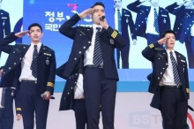 ชมคลิปคุณตำรวจ ซีวอน ,ชางมิน , ทงเฮ  โชว์เต้น เอวพลิ้วไปอีก! (คลิป)