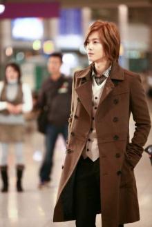 คิม ฮยอน จุง เตรียมเปิดพรี-ออเดอร์โซโล่ มินิอัลบั้ม