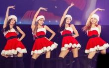 BLACKPINK แปลงโฉมซานตี้ โชว์พิเศษคัฟเวอร์ Mean Girls ในคอนเสิร์ตที่ญี่ปุ่น (คลิป)