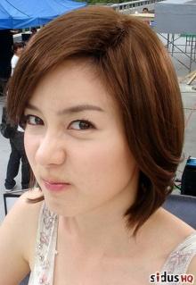 ซองยูริ เผยเรื่องราวในอดีตของแฟนหนุ่มที่ทำให้เธอยิ้มไม่ออก