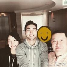ชเวซีวอน เผยภาพครอบครัว พ่อกับน้องสาว เนื่องในวันคริสต์มาส