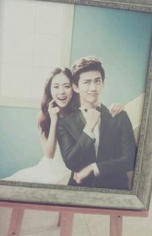 เผยภาพในชุดแต่งงานของ แทคยอน กับอียอนฮี