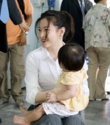 ลี ยอง เอ น้ำใจสุดงาม ให้เงินช่วยหญิงไต้หวันตกยากจ่ายค่าทำคลอดแพงลิ่ว