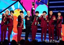 Super Junior คว้าที่ 1 รายการ Show Champion ของวันนี้