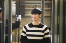 """""""คิมซูฮยอน"""" ถูกโหวตให้เป็นนักแสดงทีวีที่เจิดจรัสแห่งปี 2014"""