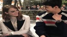 เซฮุนกับสายตาที่จ้องมอง เอ็มม่า สโตน ในงาน Louis Vuitton Cruise กรุงปารีส