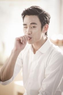 สุดหล่อคิม ซูฮยอนเผยภาพเบื้องหลังโฆษณา ละลายใจสาว
