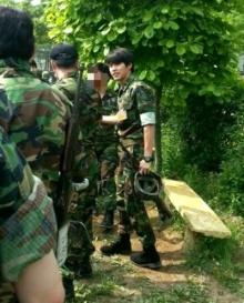 เผยภาพสุดหล่อฮยอนบิน ในชุดทหาร หลังออกจากกรม!