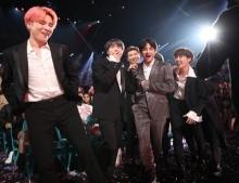 Billboard Music Awards: BTS คว้า 2 รางวัลพร้อมรางวัลศิลปินกลุ่มยอดเยี่ยม
