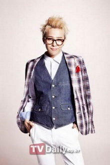 G-Dragon ไม่ว่าลุ๊คไหนก็เท่ห์ได้ใจจริงๆ