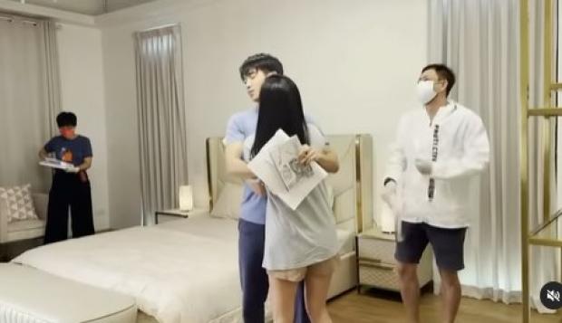 พี่ฉอดมือลั่น!!โปรยคลิปเด็ด นุ่น-ก๊อต ในห้องนอน เล่นเอาจึ้งตาแตก!!