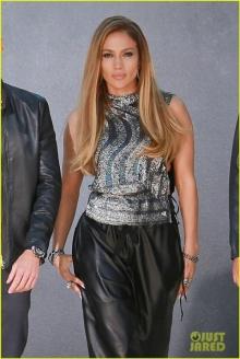 ลุคสวยเข้มของ เจนนิเฟอร์ โลเปซ ในภาพโปรโมท American Idol