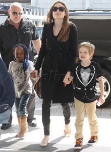 มาอีกแล้ว แองเจลิน่า โจลี่ กับลูกน้อย