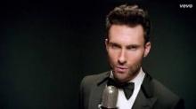 อดัม เลอวีน นำทีม Maroon 5 บุกเซอร์ไพรส์งานแต่ง!