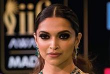 อึ้ง!! นักการเมืองอินเดียตั้งค่าหัวร้อยล้านรูปีแก่ผู้ตัดศีรษะนางเอกดัง(คลิป)