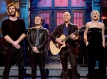 เจน ลอว์ นำทีมโชว์ร้องเพลงของ เทย์เลอร์ สวิฟต์
