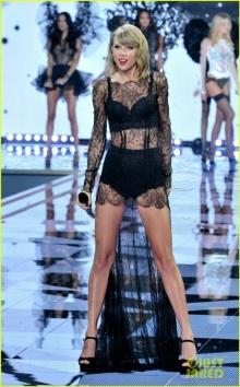 เทย์เลอร์ สวิฟต์ สวยเซ็กซี่บนเวที  Victoria's Secret