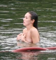 หาดูยาก!! ภาพหลุด เมแกน ฟอกซ์ เล่นน้ำ