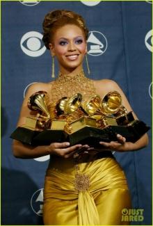 รวมมิตรแฟชั่นพรมแดง บียอนเซ่ งาน Grammy Awards!