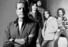 """""""Glenn Frey"""" วง Eagles มือกีตาร์ขาร็อคเสียชีวิตแล้ว"""