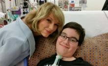 แม่พระเว่อร์ Taylor Swift เยี่ยมผู้ป่วยเด็ก !!