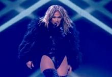 จวกยับ!! เจโล แต่งชุดฟิตเว้าขาสูง เวที Britain Got Talent