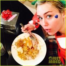 ไมลีย์ อวดของขวัญคริสต์มาสสุดน่ารัก!