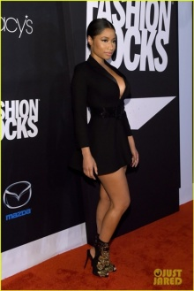 นิกกี้ มินาจ กับลุคที่แตกต่างในงาน Fashion Rocks 2014