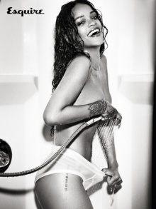 OMG! ริฮานนา โชว์หวิวลงปก Esquire Magazine