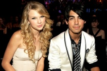 ++ Got a long list of ex-lovers!! มาดูทำเนียบ แฟนเก่า ของ Taylor Swift กัน ++