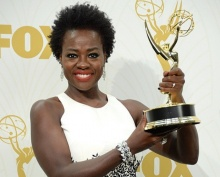 ทลายกรอบ!! วิโอลา ดาราผิวสีคนแรกคว้ารางวัลบทนำเอมมี่
