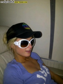 PiX > อัพเดท Paris Hilton  @ twitter
