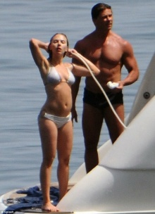 สกาเร็ต โจฮันสันโชว์เสียวอาบน้ำกับแฟนหนุ่ม