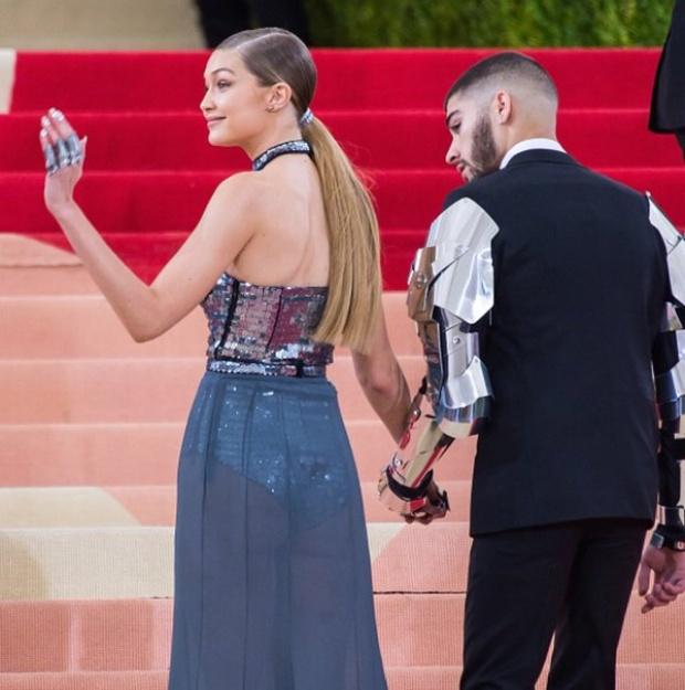 จีจี ฮาดิด หลังสวมใส่ฮิญาบถ่ายรูป Vogue Arabia